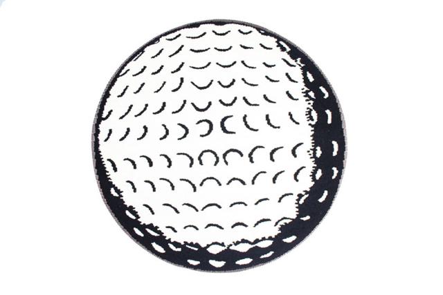 Golfball by Kristin Sæterdal